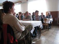 Občané na veřejné schůzi